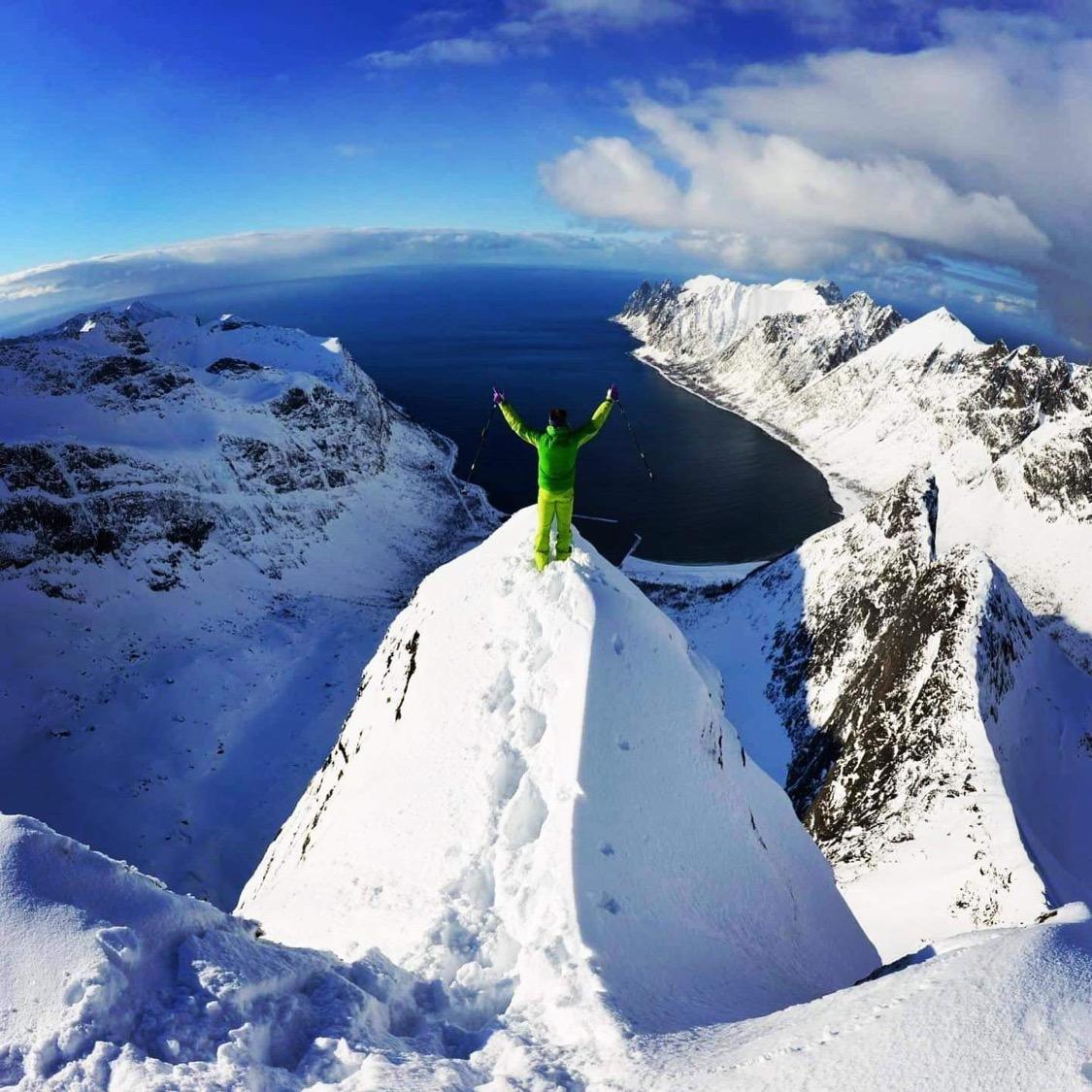 Opplev magiske Senja, blant mektige fjell og dype fjorder