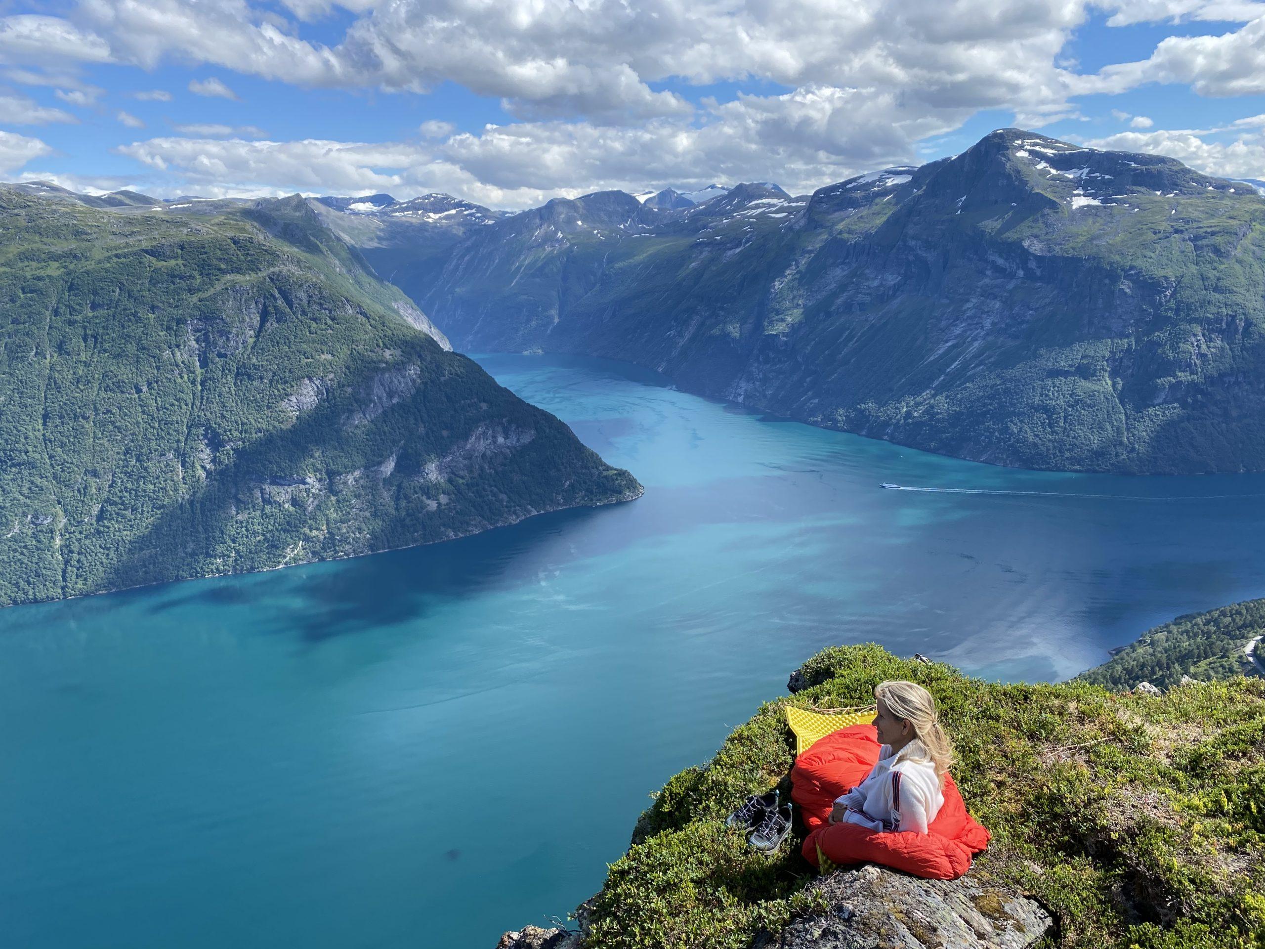 Blant fjord og fjell finner du vakreste Hellesylt